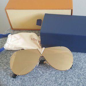 Louis Vuitton Drive Strass Sunglasses Gold